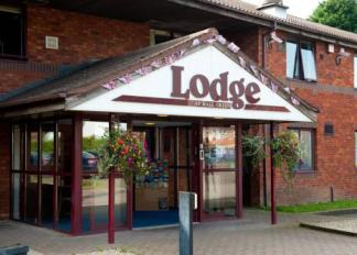 img-the-lodge-hotel